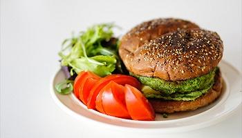 素漢堡失去成為漢堡包的資格?美國阿肯色州禁止商家打著'漢堡'名號售賣素食漢堡