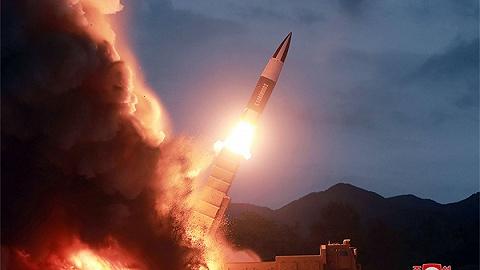 """韩国发布国防五年计划,朝鲜警告推进部署""""萨德""""或美中程导弹会引火烧身"""
