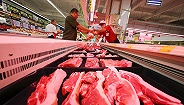 猪肉价格高位震荡猪肉股却不行了:牧原股份跌4.99%登上龙虎榜