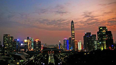 李铁:特大年夜镇设市应成为新的改革实验田