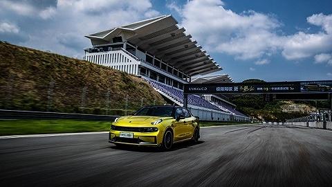 试驾   我们在赛道体验了自主品牌打造的这款高性能车