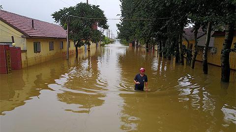 本年自然灾祸已变成627人死亡丢失,应急部:农村是防灾减灾救灾最单薄要害