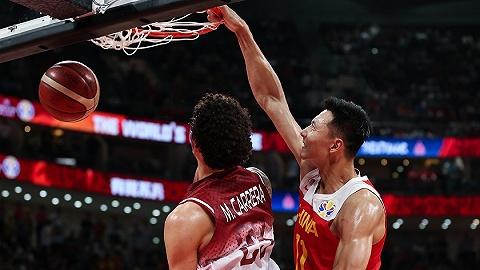 【体育早报】中国男篮无缘16强 火箭续约戈登