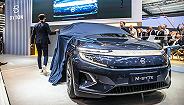 拜腾首款量产定型车亮相,明年年中投产