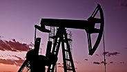 【天下头条】沙特寻求进口石油填补供应缺口 美无人机在阿富汗炸死30名农场工人