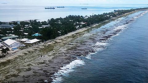 """为气候变化忧心,这个最高海拔只有5米的太平洋岛国要人工""""增高"""""""