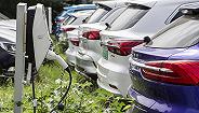 新能源汽车三连降销售纷纷离职,一段必然的低谷还是拐点提前