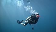 """大学同学谈印尼潜水失踪者覃某涛:很喜欢潜水,朋友圈里都是潜水的照片"""""""