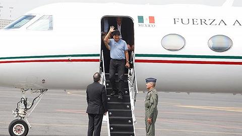 """玻利维亚前总统""""曲折""""抵达墨西哥,感谢墨政府提供政治庇护"""