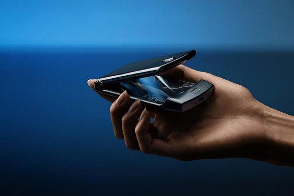 快看 | 联想发布摩托罗拉Razr折叠屏手机图3