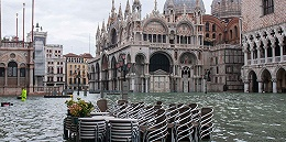 """威尼斯一周三次被淹,洪水因气候变化""""变咸""""恐长期侵蚀古迹"""