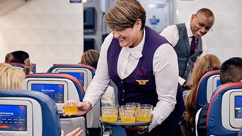 航空公司在國際航線上花費的心思越來越細,誰說點餐式服務不屬于經濟艙乘客呢?