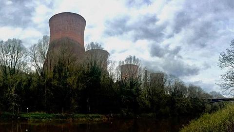 """""""发电厂关闭了"""":消失的煤炭时代的巨人"""