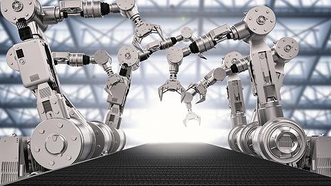 中國工業機器人年度產量首現負增長