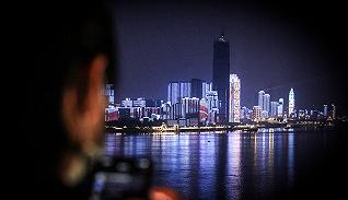【圖集】解封之夜,他們走上長江大橋