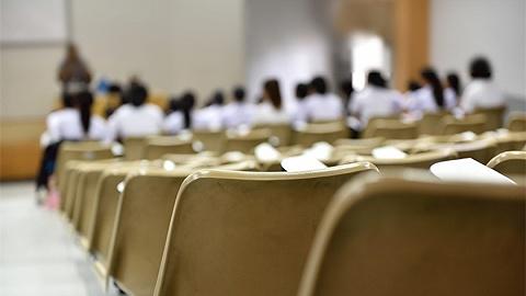 局地疫情出现反弹,全国多个地方再次推迟开学时间