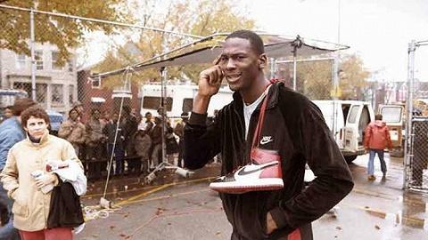 邁克爾·喬丹紀錄片再添一把火,但國內球鞋轉售卻無動于衷