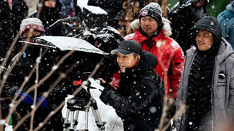 影訊 | 張藝謀新片《懸崖之上》殺青 楊穎李鴻其新片《明天你是否依然愛我》宣布今年上映