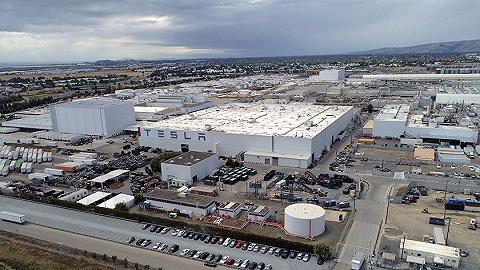 """衛生條件堪憂,特斯拉弗里蒙特工廠被工人稱為""""血汗工廠"""""""