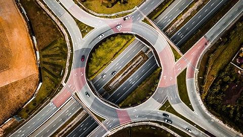 上海将直接处罚闯红灯行为,推出四方面道路交通安全举措