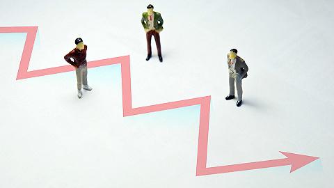 A股缩量猛攻,三大指数集体翻红,创业板止损六连跌涨近2%