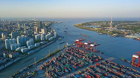 10月上海港集装箱吞吐量突破400万标准箱,刷新月度纪录|而立浦东再出发