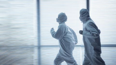 中国疫情防控成绩单:从攻坚转向常态,不断应对新挑战 | 告别2020?