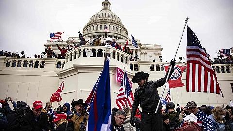 美国会大厦遇袭往事:上一次被攻破还是200年前遭英军烧毁