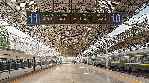 【深度】坐市郊火车上下班,能缓解打工人的通勤压力吗?