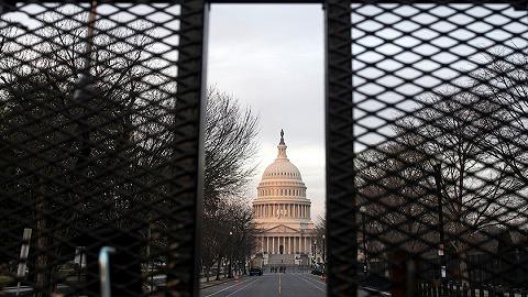 """美国国会骚乱被曝早有预谋,华盛顿筑起""""铜墙铁壁"""""""