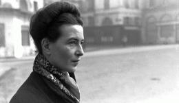 波伏娃曾后悔不生孩子的决定?在《巴黎评论》的采访中她给出了回答