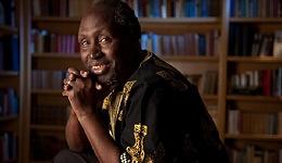 布克国际文学奖长名单公布,恩古吉·瓦·提安哥凭作者译者双重身份入围