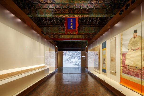 摩臣4代理958337女性力量不来自于个人,而是一种汇流   5月沪京展览推荐
