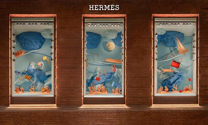 摩臣4首页爱马仕夏季橱窗连接神话与现实,香奈儿高级珠宝致敬香水百年传奇丨是日美好事物