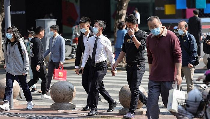 深圳每年新增人口_广州、深圳常住人口纷纷突破1700万,10年增加了一个杭州的人