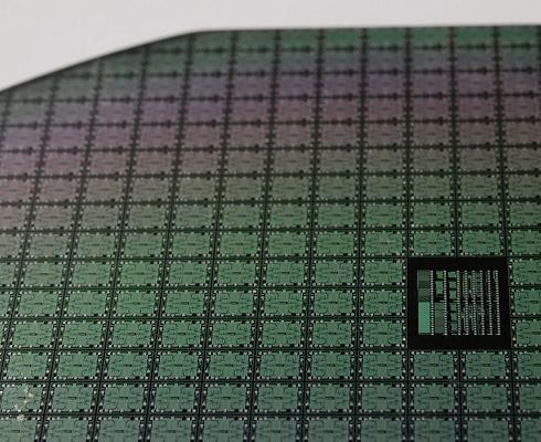 芯片�q◇�r潮不�啵���、中芯���H噗等三季度或再提高晶�A��r