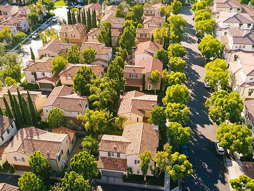 房价涨幅创十五年新高,美国房地产市场有多危险?