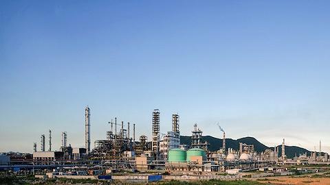 前四个月石化行业利润近4000亿,同比增长约十倍