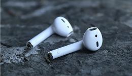 "TWS耳机市场:围攻""光明顶"""