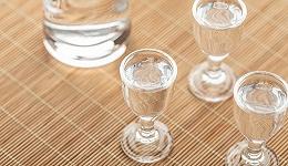 中高端白酒大幅回暖,板块爆发,山西汾酒半年净利超去年,舍得酒业业绩预增超3倍
