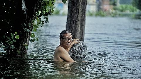 【现场】直击新乡暴雨灾后现场,民间救援队紧急出动