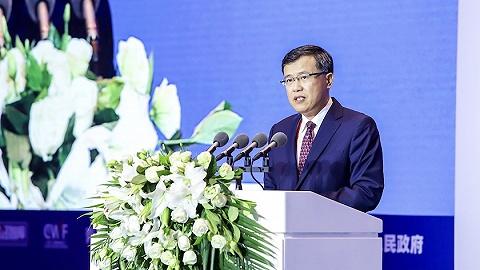 银保监会副主席肖远企:资管行业不可制造一夜暴富神话,尤其避免过度渲染超额回报