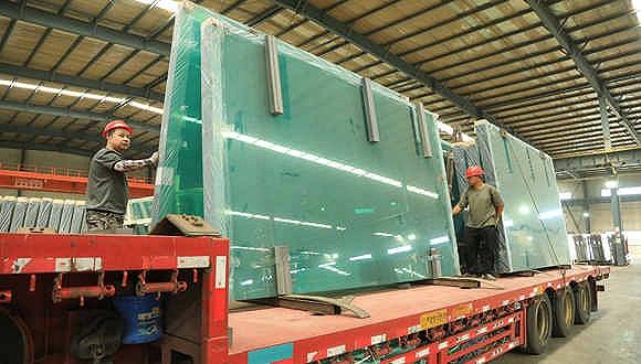凤凰城平台玻璃期货跌破2800元关口,相关上市公司掀跌停潮