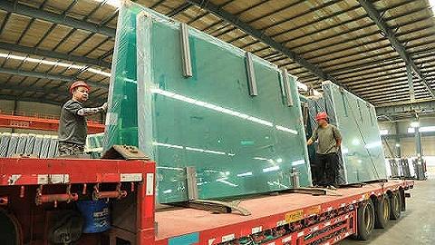 玻璃期货跌破2800元关口,相关上市公司掀跌停潮