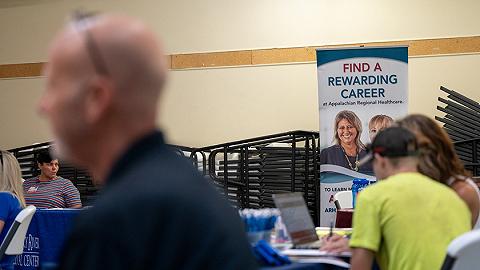 美国20余州削减新冠失业救济,但就业并未明显上升