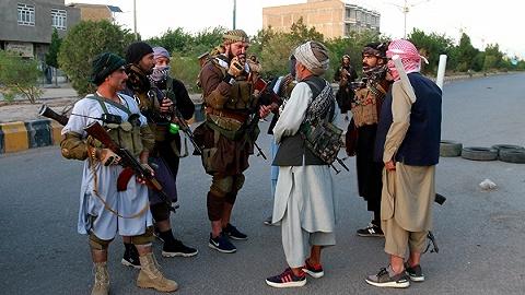 """阿富汗反塔陣地淪陷:塔利班""""兵不血刃""""再下一城,目標占領北部最大城市"""