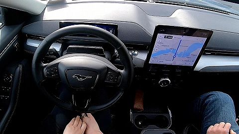 """福特請求法院駁回通用汽車對""""BlueCruise""""駕駛員輔助功能的訴訟"""