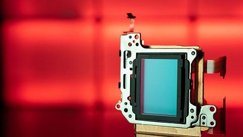 一年卖出20.4亿颗图像传感器,这家公司上市首日股价大涨145%