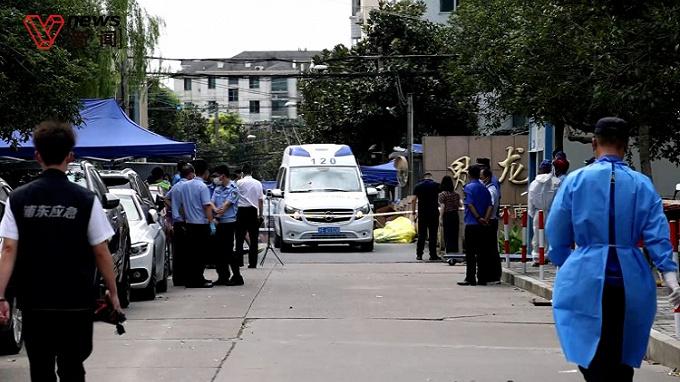 """上海界龙花苑小区封闭管理,""""警察蓝""""驻守抗疫一线"""