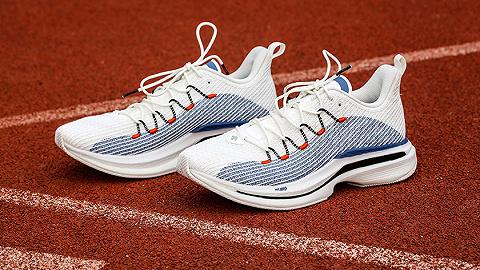 """一周運動新品   迪桑特推首款全掌碳板跑鞋,匹克上新""""鵲橋""""配色超清大三角"""